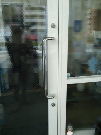 店舗スチール框ドアの錠前をツーロックに