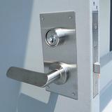 古いノブ錠をレバーハンドル錠に取替